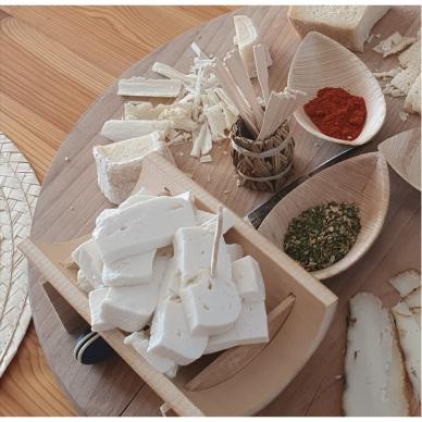 IŠANKSTINIS UŽSAKYMAS Nepasterizuoto šviežio ožkos pieno sūrio Capri